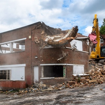 First stage of demolition starts at former Rose and Young garage site